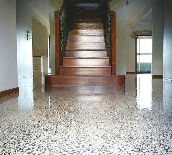 gallery-hermetic-flake-stairway
