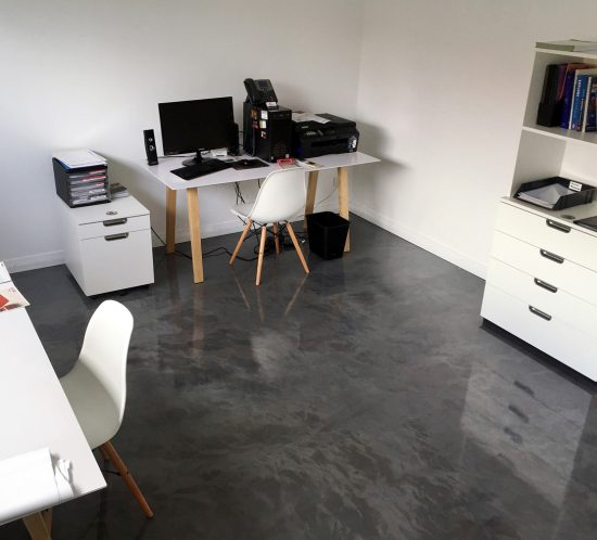 reflector-enhancer-office